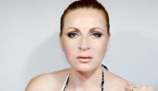 Макияж для рыжих с голубыми глазами, макияж на лето для голубых глаз