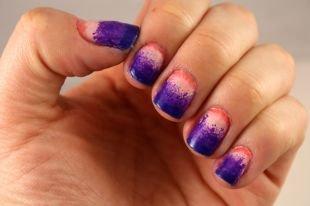Синий маникюр, градиентный фиолетово-розовый маникюр на коротких ногтях