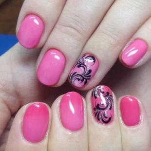 Маникюр на коротких ногтях, розовый маникюр с красивыми узорами