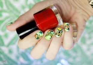 Рисунки на ногтях иголкой, яркий мультяшный маникюр