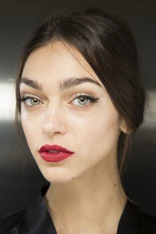 Идеальный макияж, макияж для светлой кожи и темно-русых волос