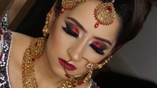 Свадебный макияж в восточном стиле, индийский макияж в красных тонах