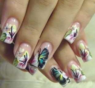 Красивые ногти френч с рисунком, маникюр с цветами и бабочками