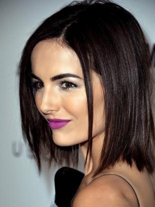 Вечерний макияж под черное платье, яркий макияж губ для брюнеток