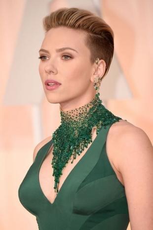 Легкий макияж для зеленых глаз, легкий макияж под зеленое платье