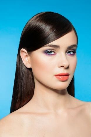 Свадебный макияж с фиолетовыми тенями, красивый макияж голубых глаз