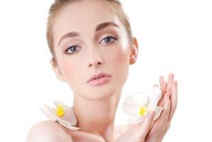 Макияж для русых волос и серых глаз, макияж на 1 сентября в нейтральной гамме