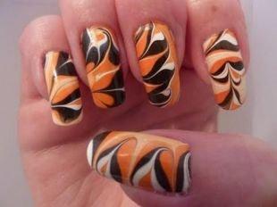 Дизайн нарощенных ногтей, водный маникюр в насыщенных тонах