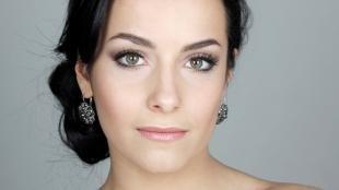 Легкий макияж для зеленых глаз, естественный свадебный макияж