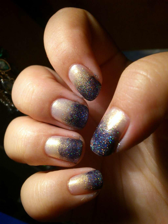 Черный градиент на ногтях фото