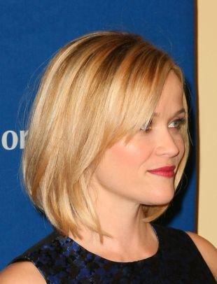 Прически с челкой на короткие волосы, стрижка боб - практичный вариант для стильных девушек