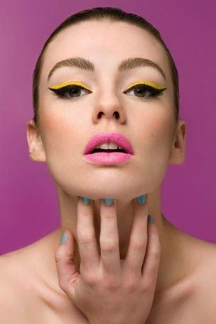 Авангардный макияж, макияж с двойными стрелками