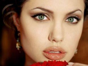 Макияж под синее платье, летний макияж для зеленых глаз