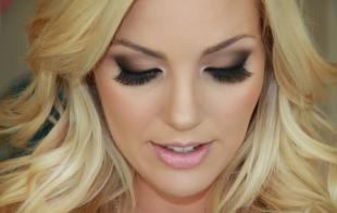 Вечерний макияж для серо-голубых глаз, дымчатый свадебный макияж