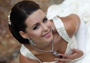 Яркий свадебный макияж, свадебный макияж для зеленоглазых брюнеток