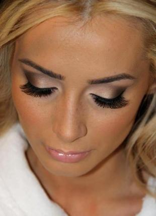 Яркий макияж для серых глаз, яркий вечерний макияж для блондинок