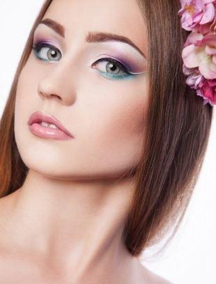 Макияж для голубых глаз с голубыми тенями, идеи оригинального макияжа на праздник