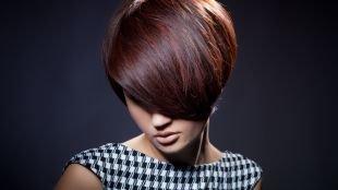 Модные женские прически на короткие волосы, вечерняя укладка стрижки боб на короткие волосы