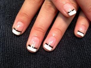 Дизайн ногтей шеллаком, черно-белый двойной френч шеллак
