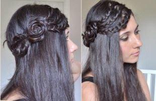 Цвет волос темный шоколад, распущенные волосы с косичками, уложенными в виде розочек