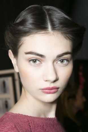Макияж для далеко посаженных глаз, натуральный макияж в школу