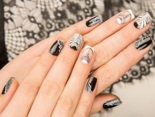 Дизайн ногтей, черно-белый дизайн ногтей с элегантным рисунком