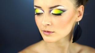 Яркий макияж для зеленых глаз, салатовый макияж глаз