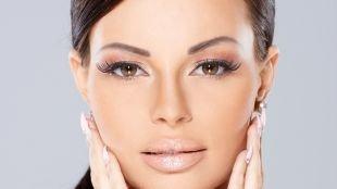 Свадебный макияж для шатенок, макияж для каре-зеленых глаз со светло-коричневыми тенями