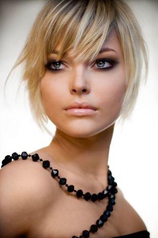 Темный макияж для серых глаз, шикарный вечерний макияж