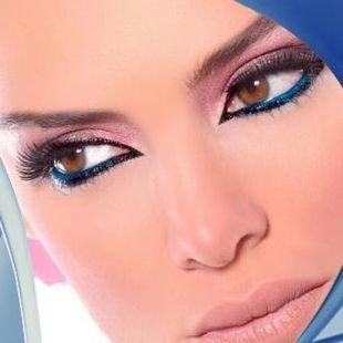 """Яркий макияж для карих глаз, макияж """"кошачьи глазки"""""""