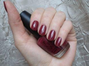 Маникюр на квадратные ногти, бордовый маникюр на коротких ногтях