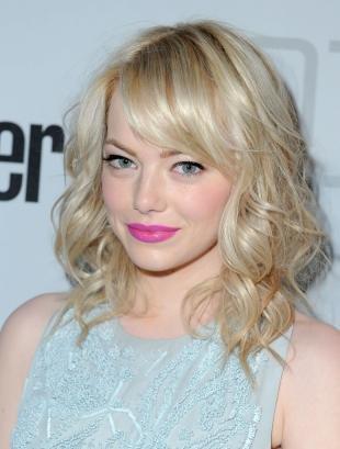 Макияж для голубых глаз под голубое платье, яркий макияж губ для блондинок